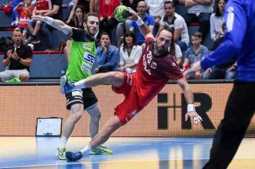 Nach 27 Heimsiegen in Serie unterlagen Domagoj Surac (Bild) und der Alpla HC Hard zum Auftakt der Halbfinalserie gegen West Wien mit 25:26-Toren.gepa