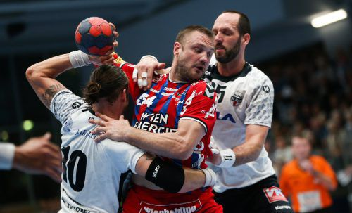 Nach einer 24:26-Niederlage im vierten Duell wird der Alpla HC Hard HLA-Vizemeister. Die Roten Teufel vom Bodensee verpassten damit nach Triumphen im Super- und ÖHB-Cup das historische Triple.Gepa