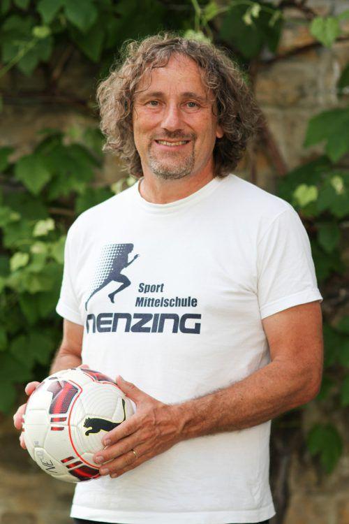 Rainer Schallert ist die Stimme der Fußball-Schülerliga in Vorarlberg. Knobel