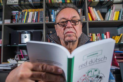 """,Red dütsch' heißt auch Klartext zu sprechen"": Ulrich Gabriel hat am Feiertag den sechsten, heuer besonders umfangreichen Mundartmai eröffnet. VN/KH"