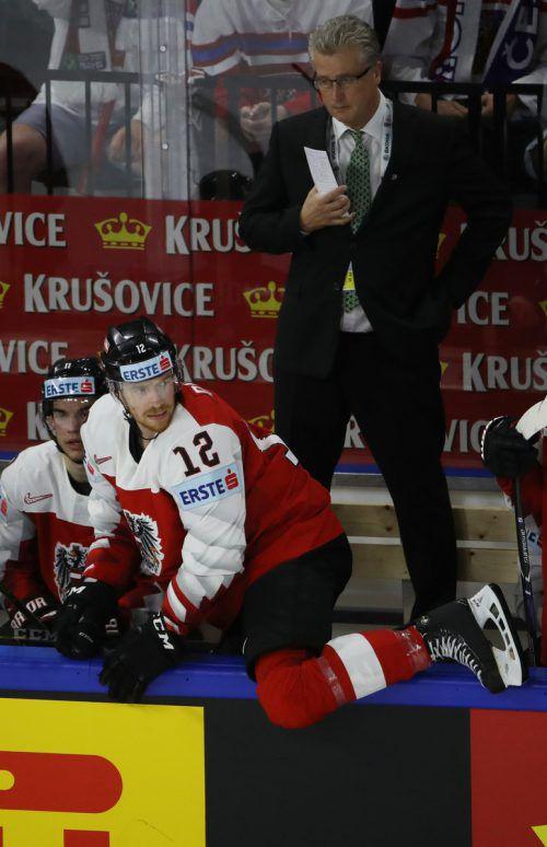 Roger Bader dirigierte Österreichs Eishockeynationalteam nach dem Aufstieg auch zum A-Liga-Verbleib. NHL-Ass Michael Raffl zeigte mit vier Toren seine Klasse. gepa