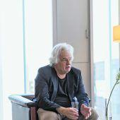"""<p class=""""factbox"""">Sein Faible für das Gesamtkunstwerkliche konnte Rainer Köberl beim Dornbirner Bankgebäude für die BTV voll und ganz ausleben, sind doch sämtliche Möbel von ihm entworfen oder ausgesucht.</p>"""