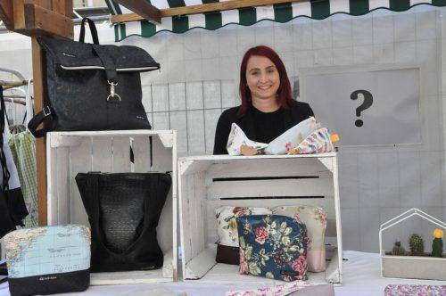 Theresa Lienher präsentierte im Rahmen des Frühjahrsmarktes ihre handgefertigten Taschen. CM