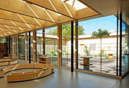 Umweltfreundlich und für moderne Pädagogik ausgelegt ist die sanierte Volksschule Herrenried. Stadt