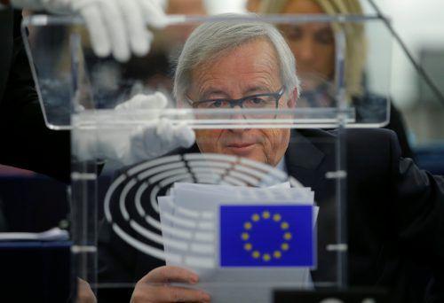 Vor allem kleine und mittlere Unternehmen müssten geschützt werden, sagte Kommissionschef Juncker. reuters