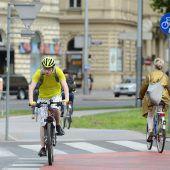 Radler machen Straßen sicherer