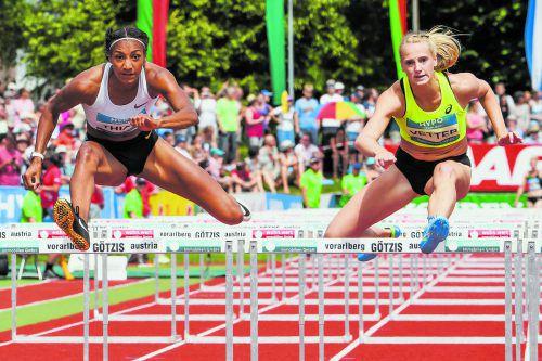 Während 2016-Olympiasiegerin Nafissatou Thiam (l.) ihren zweiten Götzis-Sieg in Serie verbuchte, blieb Anouk Vetter bei hrem vierten Antreten beim Hypomeeting abermals der Sprung auf das Podest verwehrt. Die WM-Dritte des Vorjahrs hatte 299 Punkte Rückstand auf die drittplatzierte Erica Bougard.