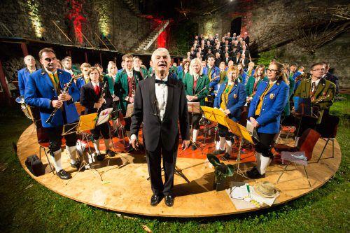 150 Sänger und Musiker aus dem Walgau werden heute Abend die Ruine Jadgberg mit Musik erfüllen. GM Schlins