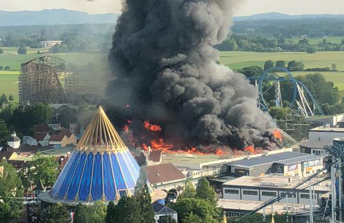 Als das Feuer entstand, befanden sich bis zu 25.000 Besucher in dem Park. AFP