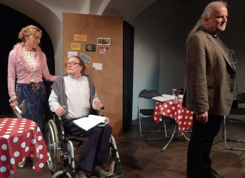 """Am Donnerstag kommtMartin Auers Stück """"Die Entschuldigung"""" für Zuschauer ab 15 Jahren zur Aufführung. Veranstalter"""