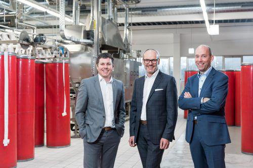 Andreas Geiger, Johann Schallert und Martin Grübener setzen verstärkt auf die Produktion technischer Bänder. Firma