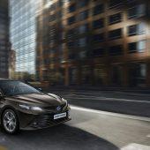 Autonews der WocheToyota Camry feiert Comeback nach 15 Jahren / VW feiert Bestzeit am Pikes Peak / Volvo bringt Limousine S60 erstmals ohne Dieselantrieb