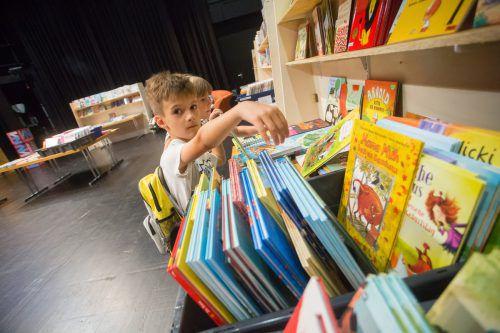 Auf der siebten VN-Kinder- und Jugendbuchmesse in 3500 Büchern stöbern. VN/steurer