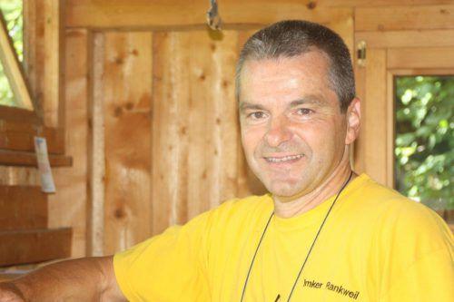 Christian Fink holte als Imker für seinen Honig bereits Gold- und Silberpreise.