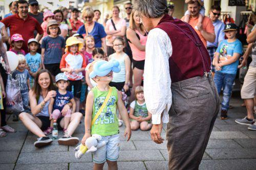 """Clownerie bringt die Kinder zum Lachen: Clown Pompo ist bei """"Stadt der Kinder"""" natürlich auch mit dabei.                              stadtmarketing bregenz/udo mittelberger"""