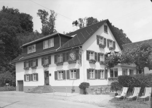 """Das Gasthaus """"Löwen"""" in Tosters kann auf eine über 100-jährige Geschichte zurückblicken."""