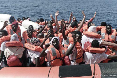 Das Migranten vom Flüchtlingsboot Aquarius sind Sinnbild für die zersplitterte EU-Asylpolitik. Italien weist sie ab, nun werden sie nach Spanien überführt.AP