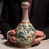 Auf Dachboden gefundene Vase um 16,2 Millionen Euro versteigert