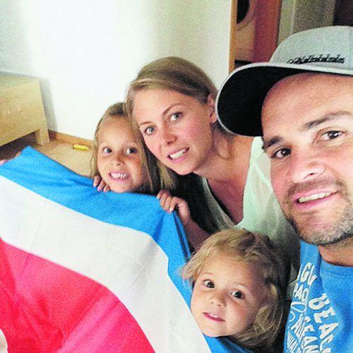 Das WM-Fieber packt die Familie Chinchilla alle vier Jahre. Das Selfie hat der Ex-Altach-Kicker vor vier Jahren anlässlich der Endrunde 2014 gemacht.privat
