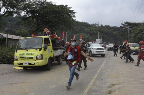 Der erneute Ausbruch des Vulkans löste bei der Bevölkerung Panik aus. AFP