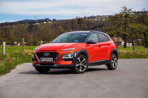 Der frisch und frech durchgestylte Hyundai Kona gibt den hochbeinigen Schaustehler so nach dem Motto: Nicht gefallen kann, wer nicht auffällt. vn/Steurer