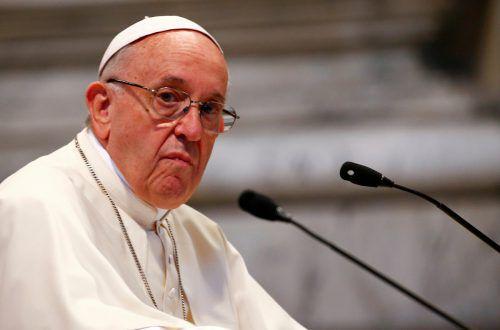 Der Papst hat neue Regeln im Umgang mit Missbrauchsfällen veröffentlicht. Rts
