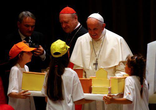 Der Papst stand den Kindern Rede und Antwort. Reuters