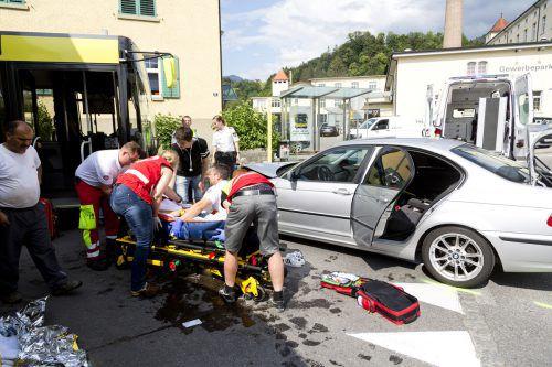 Der Pkw-Lenker wurde ins LKH Feldkirch eingeliefert. Dietmar MAthis