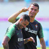 Ronaldo mit Bart und breiter Brust