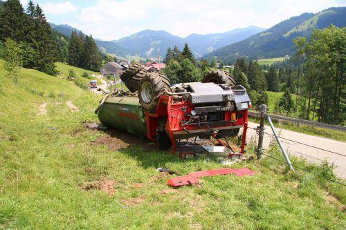 Der umgekippte Jauchewagen. vol.At/Pletsch