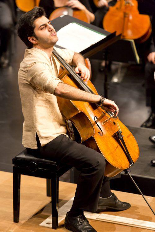 """Cellist Kian Soltani: """"Räume wie jener in St. Gerold sind prädestiniert für die Wahrnehmung von Musik."""" Mathis"""