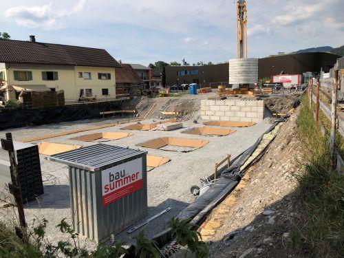 Die Bauarbeiten für die Errichtung eines Motels mit 60 Betten samt Backstube in der Gemeinde Sulz im Vorderland sind gestartet. VN/Witwer