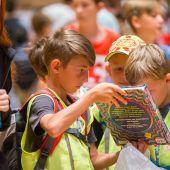 Lesefans stürmen das Buchfestival