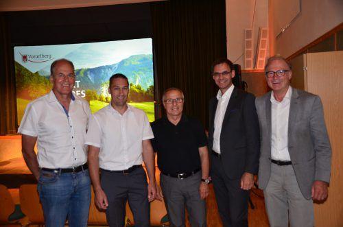 Die Bürgermeister mit dem Landeshauptmann: Florian Morscher, Martin Burtscher, Eugen Hartmann, Markus Wallner, Ludwig Muxel. DOB