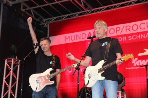"""Die Formation Denkmalschutz begeisterte mit dem Lied """"Es isch, wias isch"""" das Schrunser Publikum. STR"""