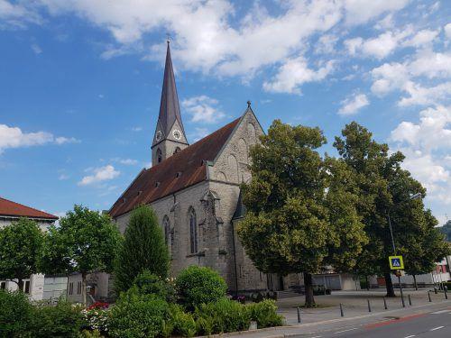"""Die heutige Pfarrkirche Hl. Sebastian wurde 1901 erbaut. Der Vortrag """"550 Jahre Pfarrgeschichte Schwarzach"""" findet morgen, Samstag, 23. Juni, im Hofsteiger Kultursaal statt."""
