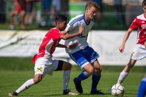 Die junge Mannschaft von RW Rankweil bot Röthis Paroli. Der Meisterschaftskampf dürfte zugunsten des FC Langenegg entschieden sein.VN-Sams