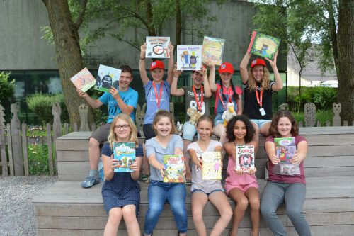 Schüler der Öko-Mittelschule Mäder werden auf der Buch am Bach in der Götzner Kulturbühne Ambach aus Bilderbüchern vorlesen. Hofer