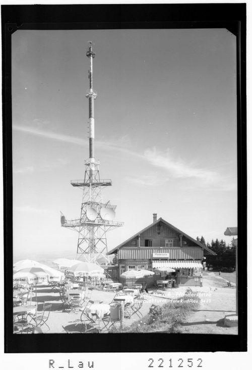 Die Sendeanlage Pfänder ging am 19. Juni 1959 offiziell in Betrieb. Bis dahin empfingen die Vorarlberger Fernsehzuschauer nur das deutsche und das Schweizer Programm.                              Sammlung Risch-Lau, Helmut Tiefenthaler, Vorarlberger Landesbibliothek