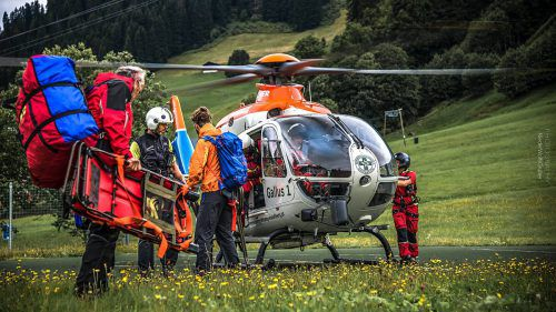 Die Zahl der Alpinunfälle steigt stark an. Deshalb steht der Notarzt-Heli Gallus 1 für den Sommerbetrieb im Einsatz. niederWolfsgruber