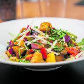 Warmer mediterraner Salat
