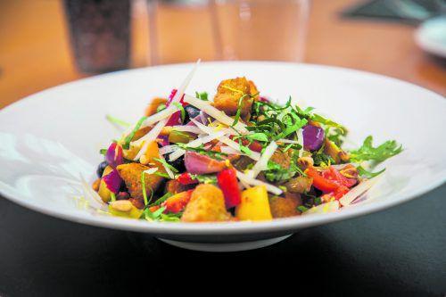 Ein ganz besonderer Salat als Beilage zum Grillen oder einfach so.philipp steurer, Oliver lerch