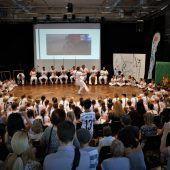 Akrobatische Kämpfe für Kinder in Brasilien