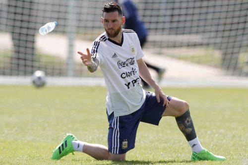 Einmal mehr lastet der Druck einer ganzen Nation auf den Schultern von Lionel Messi. Er soll es gegen Frankreich richten.ap