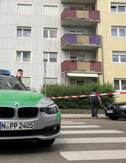 Einsatzkräfte haben am Tatort vier Menschen tot aufgefunden. APA