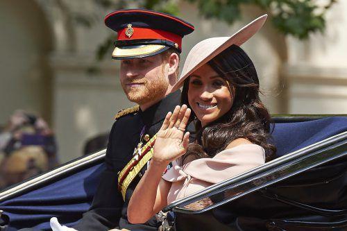 Erster offizieller Auftritt von Harry und Meghan bei der Militärparade. AFP
