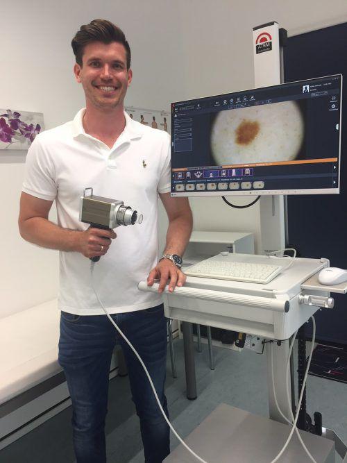 Hautfacharzt Michael Holzer bietet seinen Patienten aktuelleste Technik. vn/mm