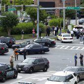 Tote und Verletzte bei Schießerei in US-Zeitungsredaktion. D6