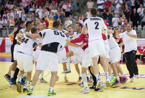 Freudentanz von Österreichs Handballern nach dem 31:26-Triumph und der Qualifikation für die WM 2019.APA