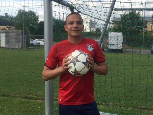 Für Islam Shehata bedeutet Fußball alles. Nach seinem Umzug von Kairo nach Feldkirch fand er neue Freunde beim FC Tosters 99, die seine Leidenschaft teilen.VN/mef